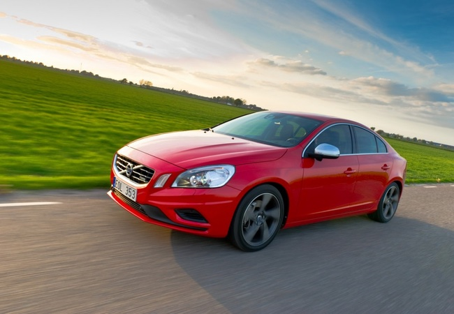 2013 Volvo S60 T6 R-Design Sedan Review