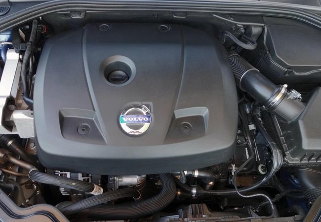 2015 Volvo V60 T5 Engine Bay Pictures
