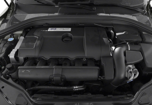 2015 Volvo XC60 T5 Drive-E SUV Engine Bay Pictures